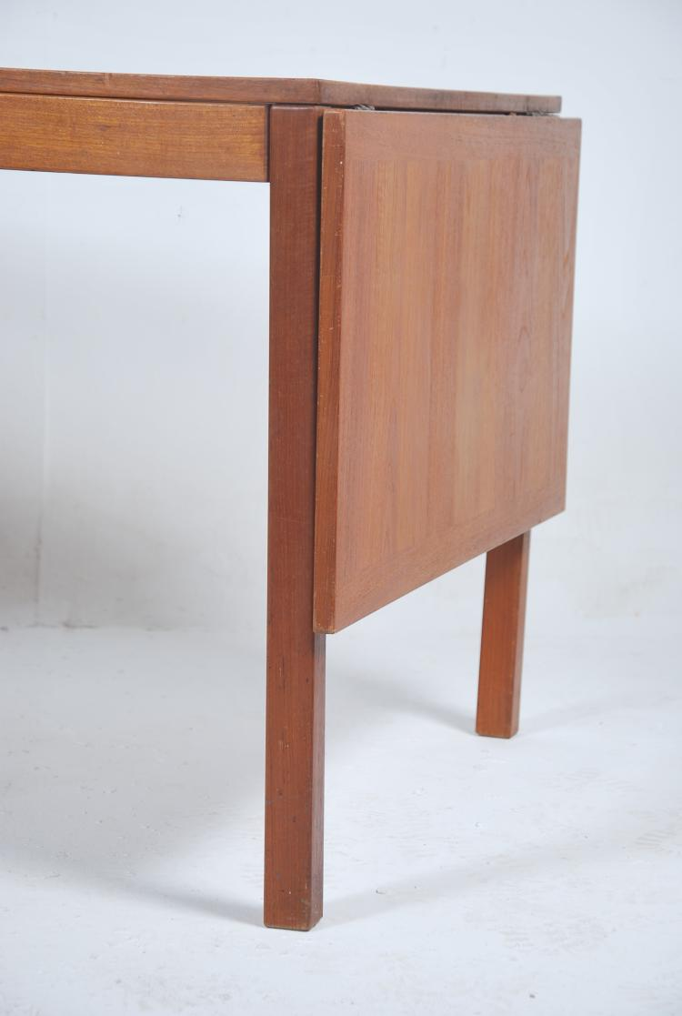 A large 1970s Danish teak wood drop end refectory : H5541 L121442831 from www.invaluable.co.uk size 750 x 1117 jpeg 44kB