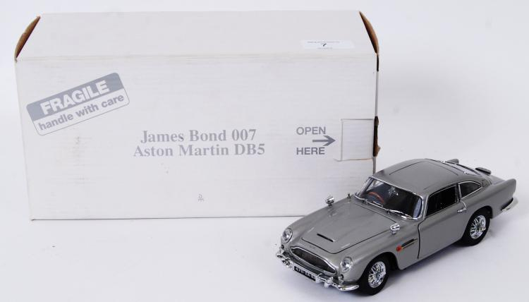 JAMES BOND ASTON MARTIN: An or