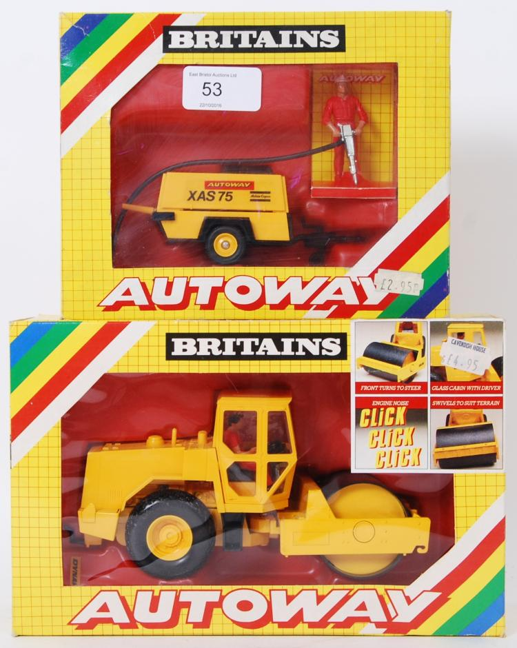 BRITAINS: 2x original vintage