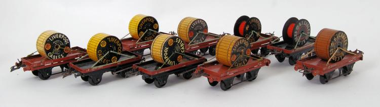 HORNBY: A collection of 9x ori