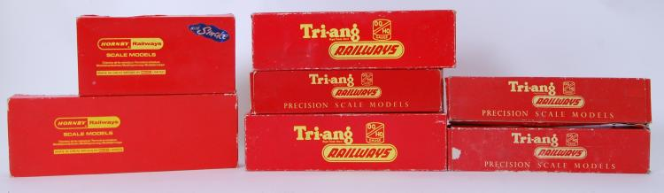 TRIANG / HORNBY RAILWAYS: A co