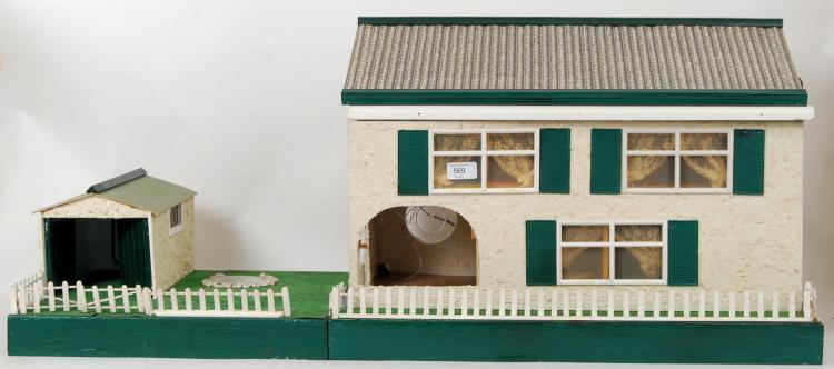 DOLLS HOUSE: A 20th century li