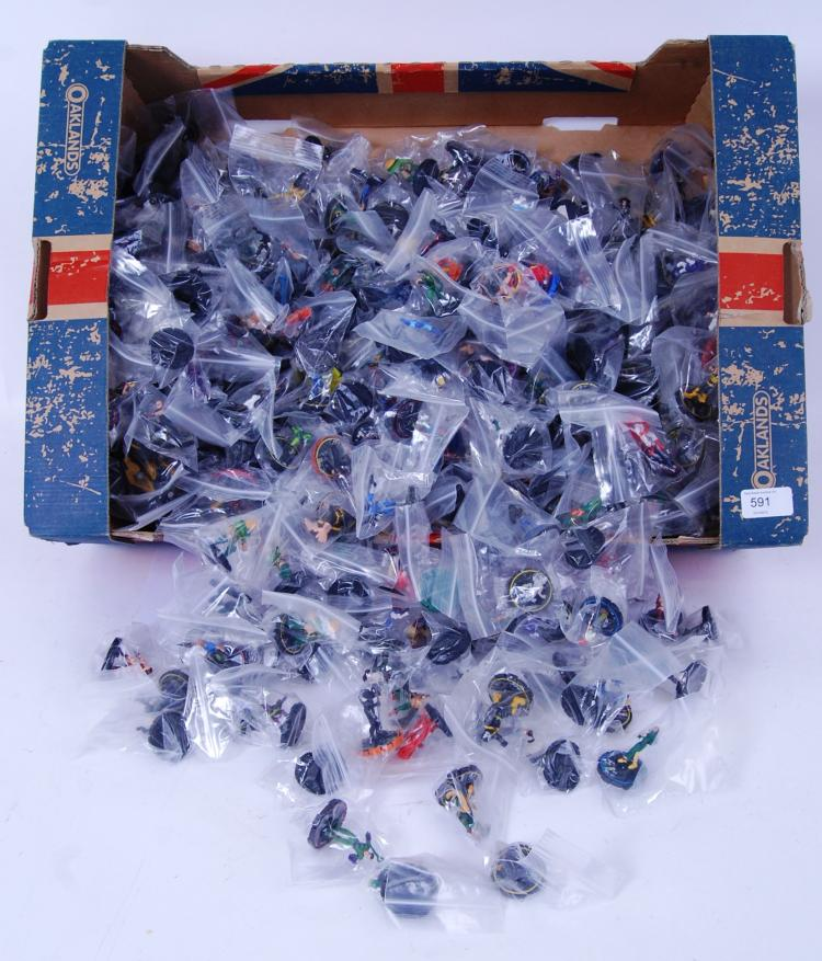 HEROCLIX: A LARGE collection o