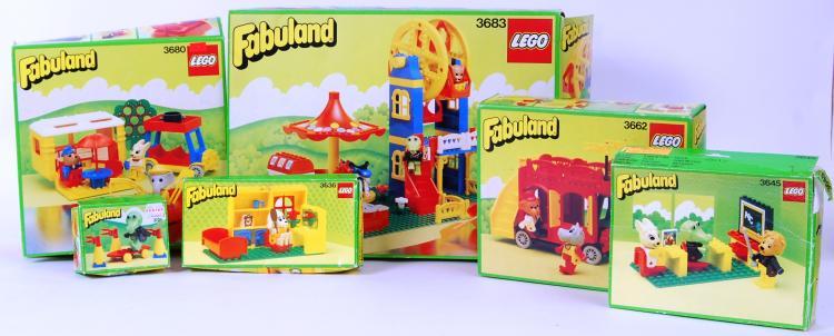 LEGO: A large quantity of vint