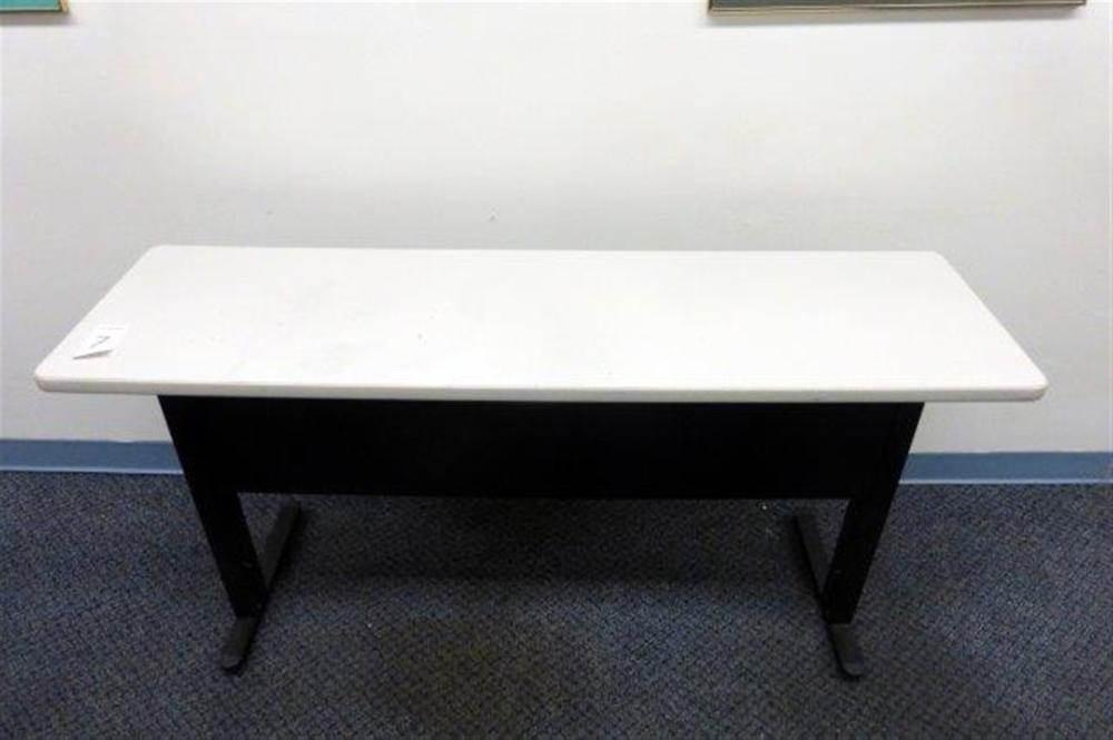 5' DESK TABLE
