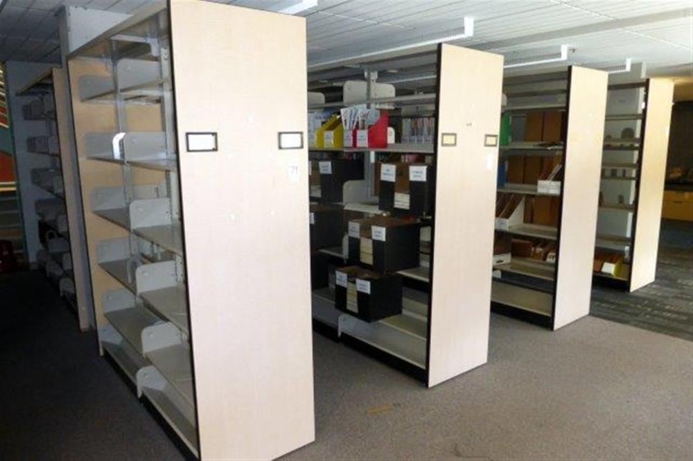 21 SECS LIBRARY SHELVING