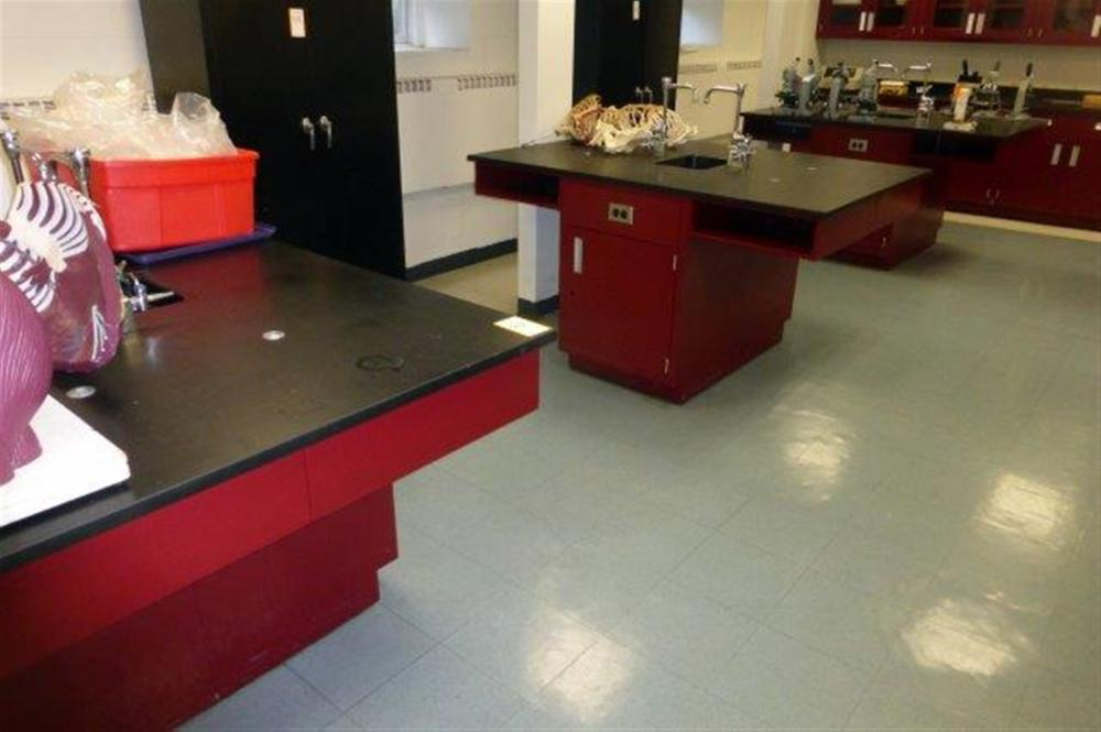 5-TEST BENCHES W/SINKS