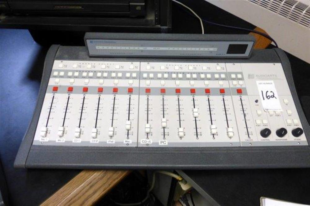 AUDIOARTS BROADCAST SOUND BOARD