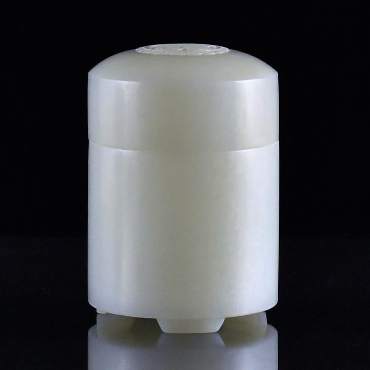 CHINESE WHITE JADE LIDDED JAR
