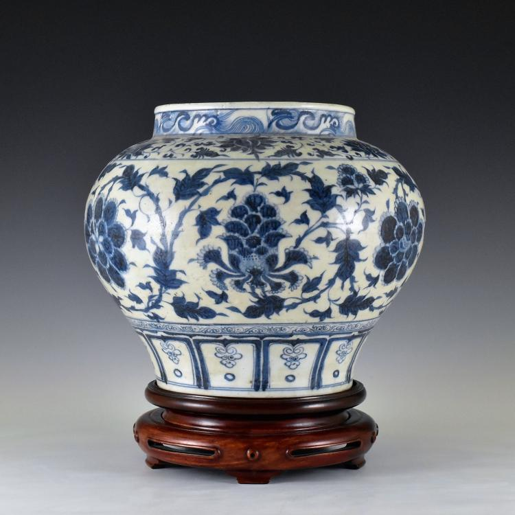 MING BLUE AND WHITE FLORAL MOTIF JAR ON STAND