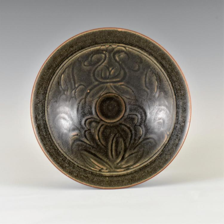 FLORAL SGRAFFITO MOTIF SONG JIZHOU TEA BOWL