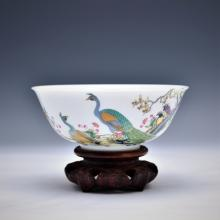 FAMILLE ROSE PEACOCK BOWL ON STAND