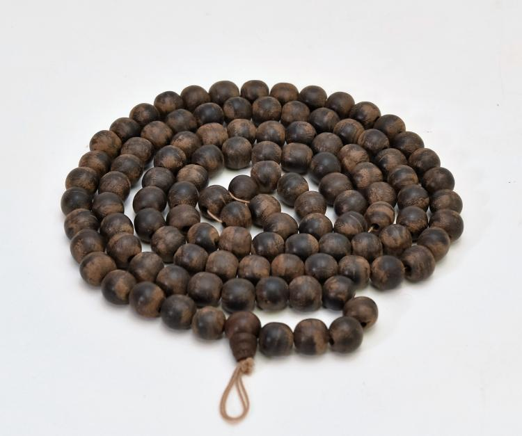 CARVED CHENXIANG WOOD PRAYER BEADS NECKLACE