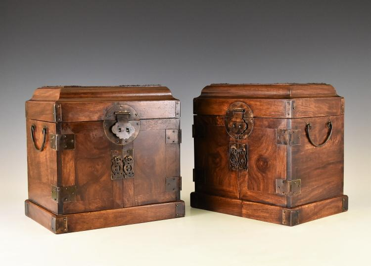 PAIR OF HUANGHUALI DRESSING CASES, GUANPIXIANG