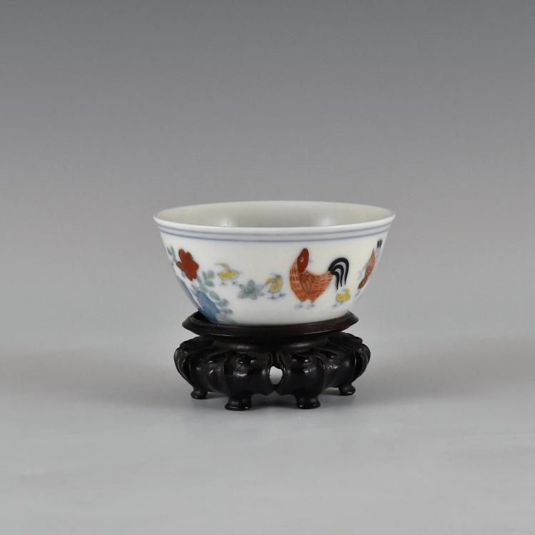 CHENGHUA DOUCAI CHICKEN CUP ON STAND