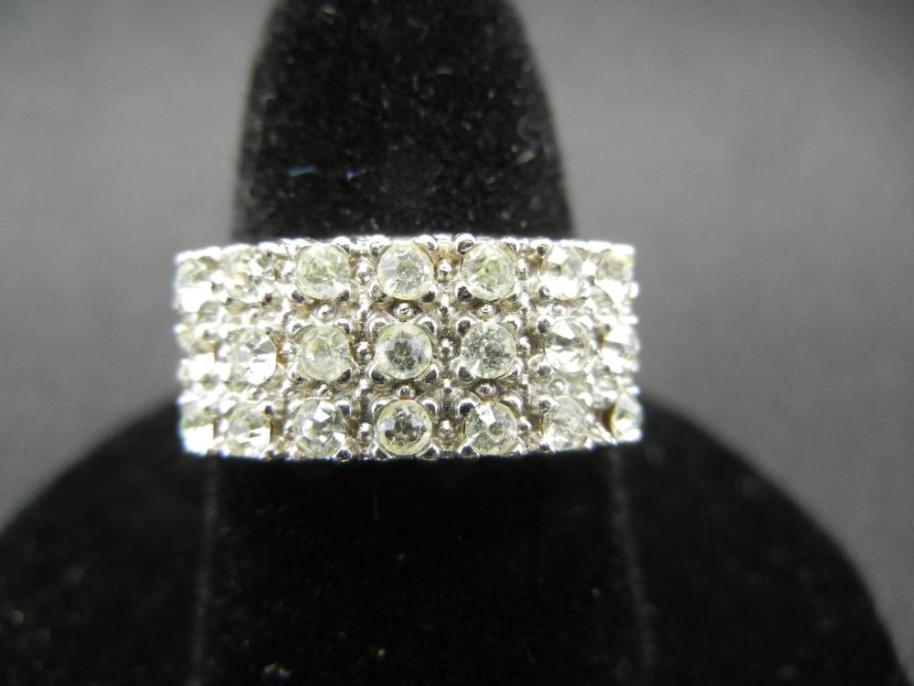 Sterling Silver Ring.  Size 6 3/4.
