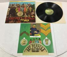 The Beatles - Sgt Peppers Lonely Hearts Club Band Record Album with Insert