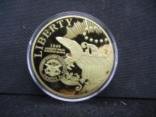 GIANT MEDAL WITH COPY OF THE DOUBLE EAGLE BY THE AMERICAN MINT