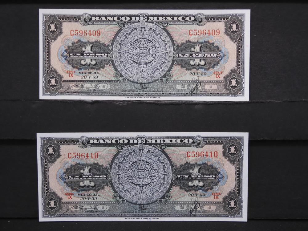 2 - 1959 Mexico 1 Peso Notes. Consecutive Serial Numbers. Crisp UNCs.