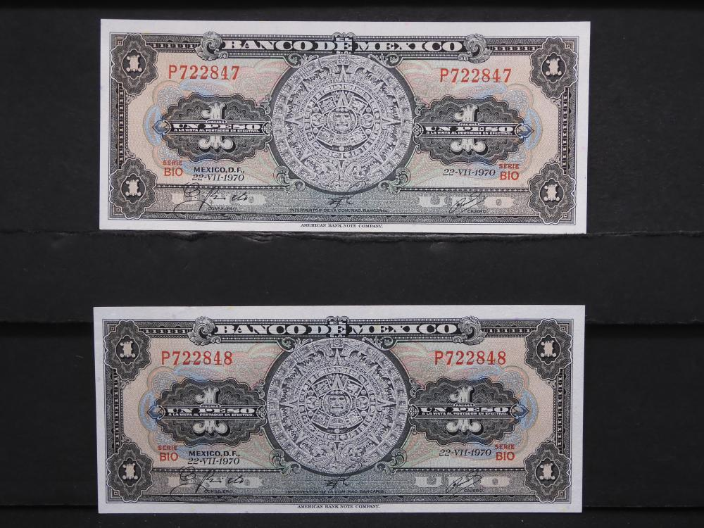 2 - 1970 Mexico 1 Peso Notes. Consecutive Serial Numbers. Crisp UNCs.