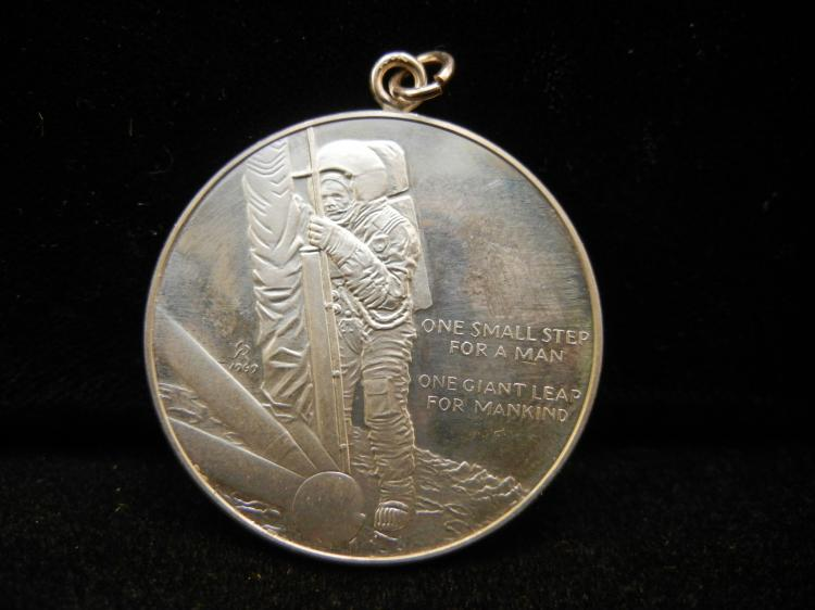 neil armstrong medals - photo #21
