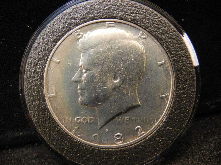 1982 Kennedy Half Dollar Error no FG Initials