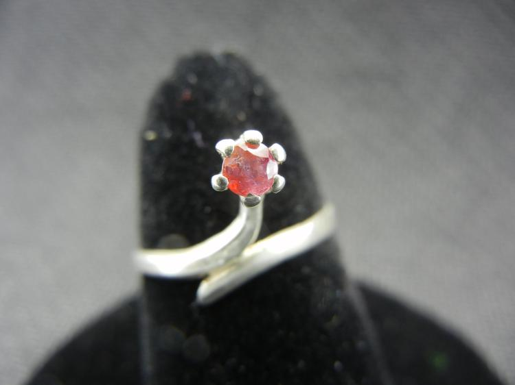 Sterling Silver Ring w/Red Gem Size 6