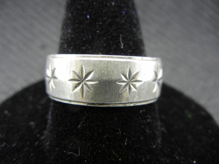 Sterling Silver Ring w/Stars Size 11.5
