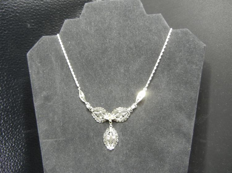 Sterling Silver Necklace - Weight 9.19 Grams