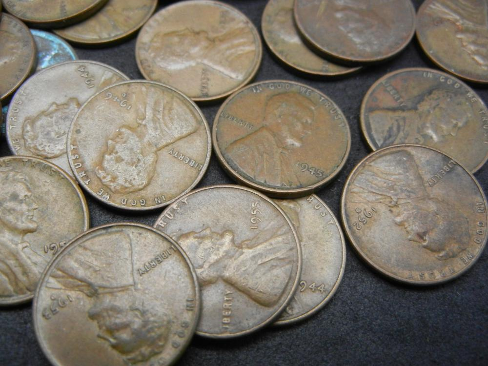 Lot 31N: 100 Lincoln Wheat Cents.
