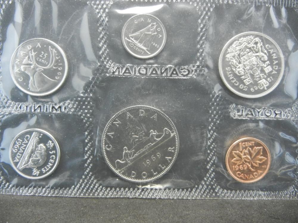 Lot 5: 1969 and 1970 Canadian Mint Sets.