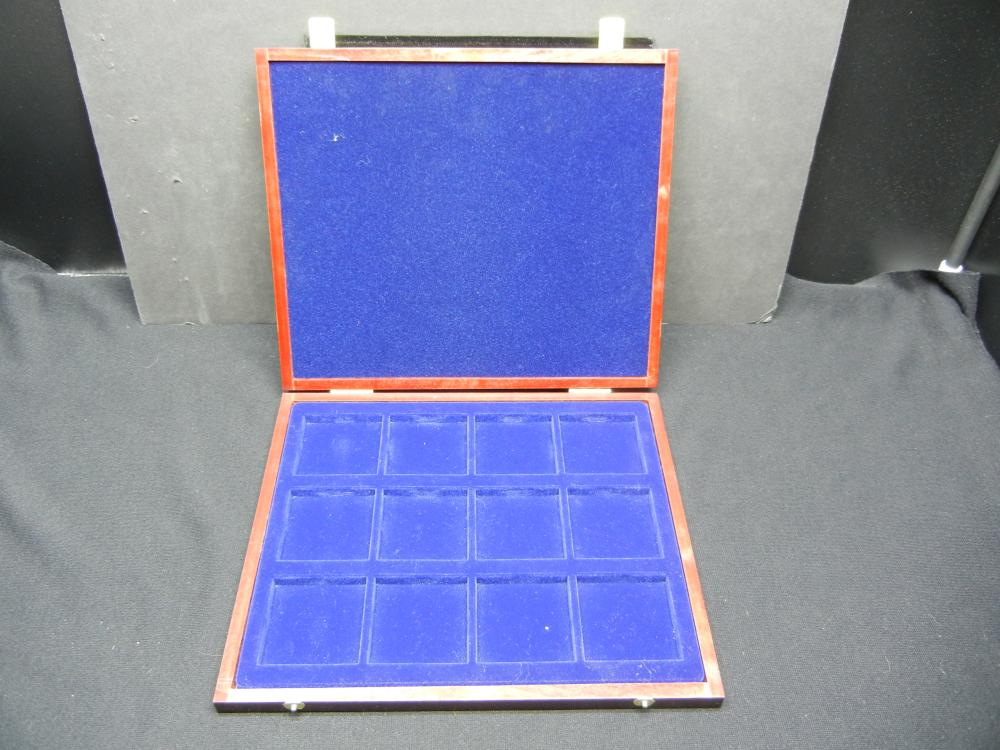 Lot 50B: Canadian Dollar Holding Case. Neat and Wooden 9x10 3/4