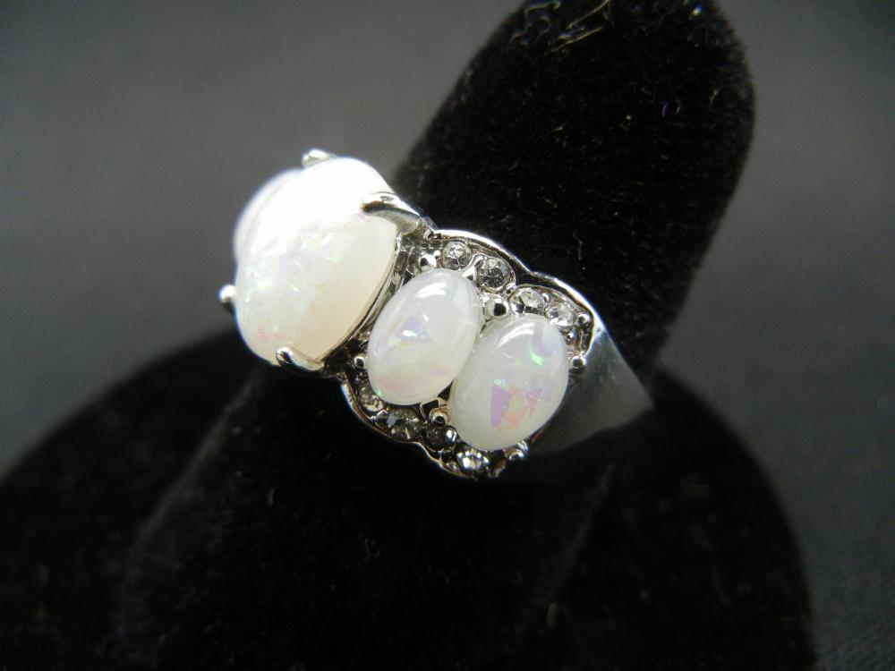 Lot 59C: WOMAN'S FIRE OPAL RING (SIZE 7), NEW/GREAT GIFT, FASHION JEWELRY!