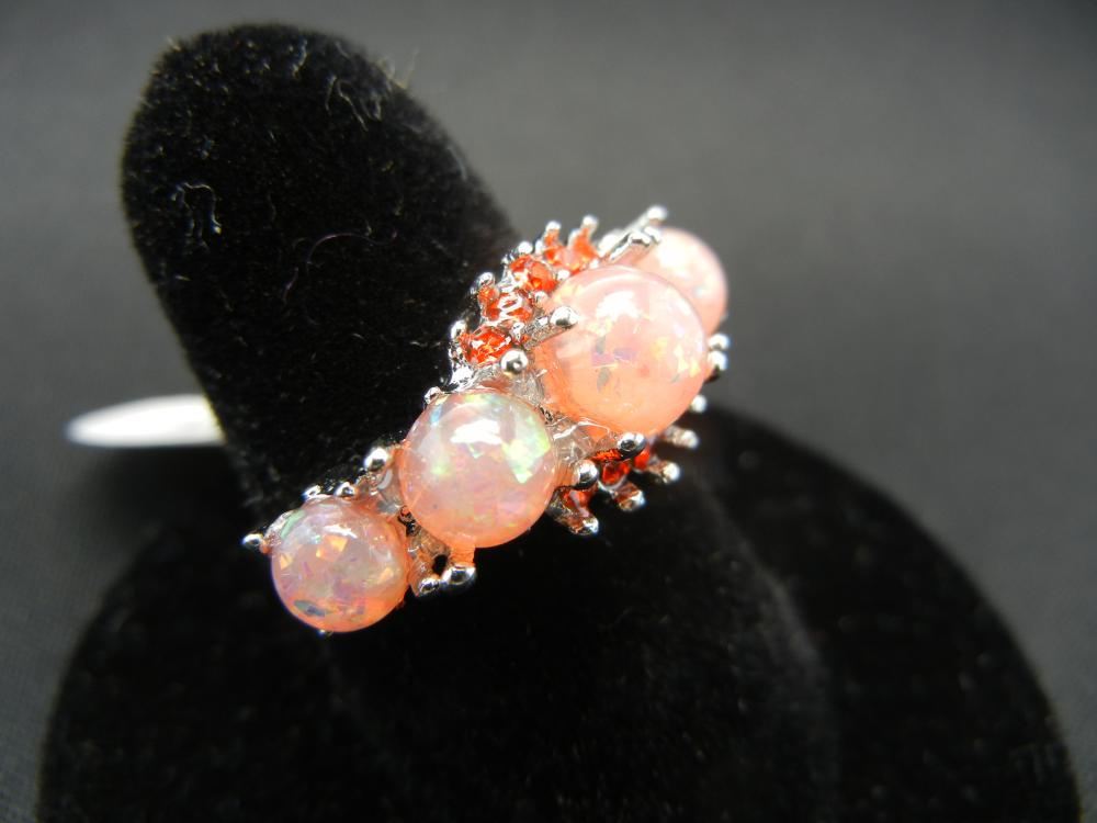 Lot 77C: WOMAN'S ORANGE FIRE OPAL RING (SIZE 7), NEW/GREAT GIFT, FASHION JEWELRY!