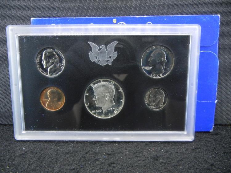 1969-S U.S. Mint Proof Coin Set w/40% Kennedy Half Dollar