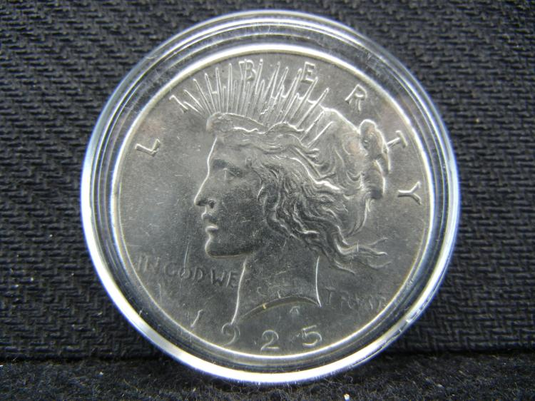 1925 Peace Dollar in Case