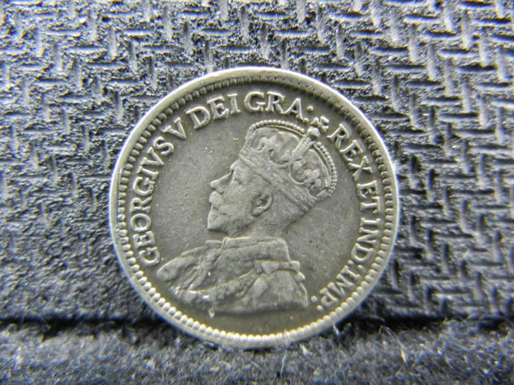 1913 Canadian 5 Cents - 92.55 Silver