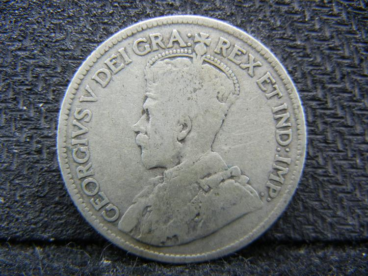 1935 Canadian 25 Cents - 80% Silver