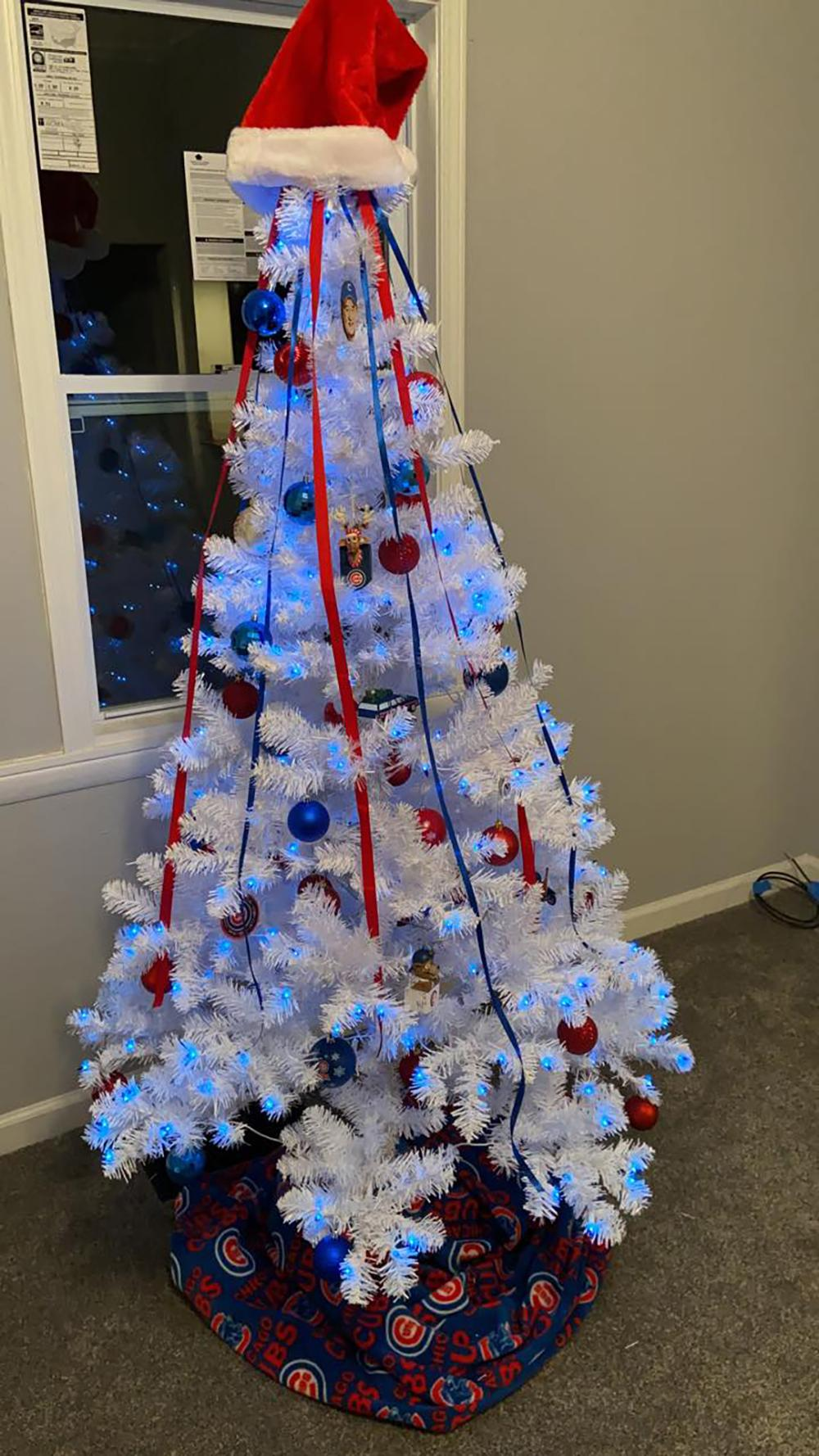 Sold Price Cubs Christmas 6ft White Tree With Blue Lights December 6 0120 10 00 Am Est