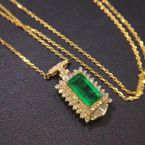 a emerald necklace