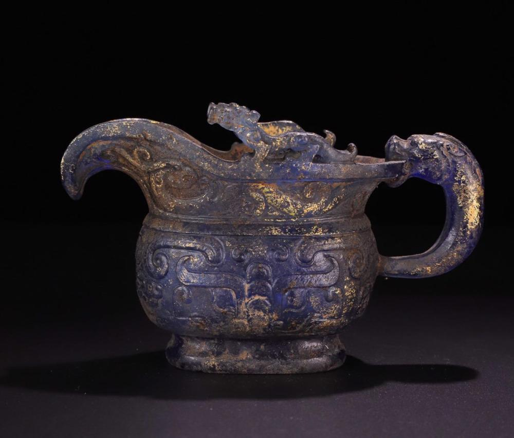 AN OLD GLASS CHI DRAGON JUE CUP