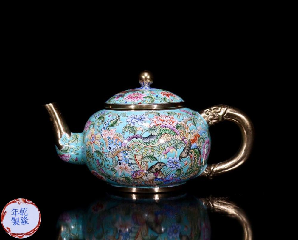 A CLOISONNE TEAPOT WITH MARK
