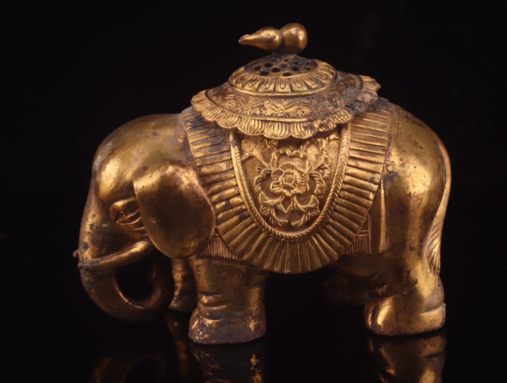 A GILT BRONZE CENSER OF ELEPHANT SHAPED