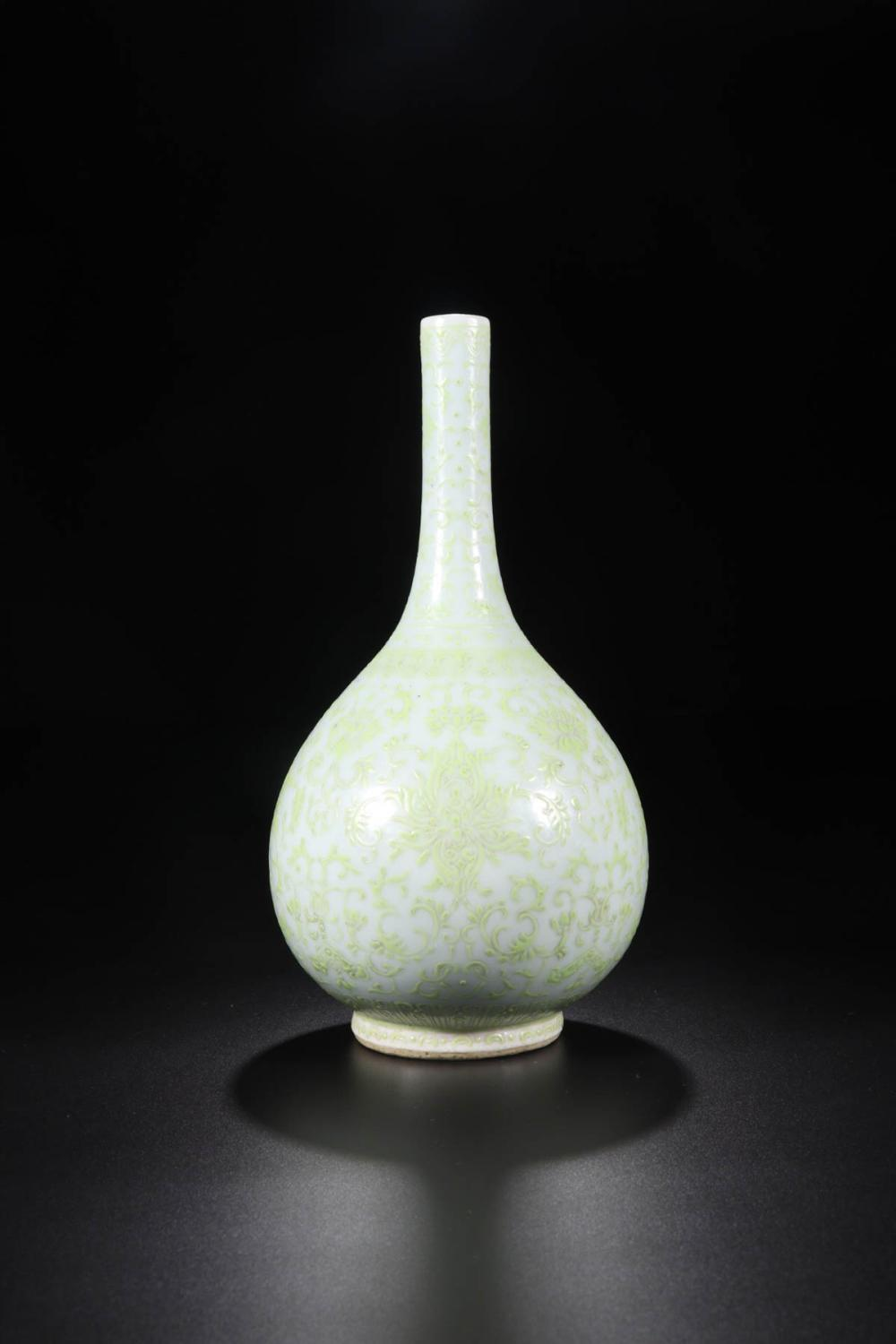 "A ""JIAQUING"" MARK FAMILLE ROSE WITH LOTUS PATTERN LONG NECK VASE"