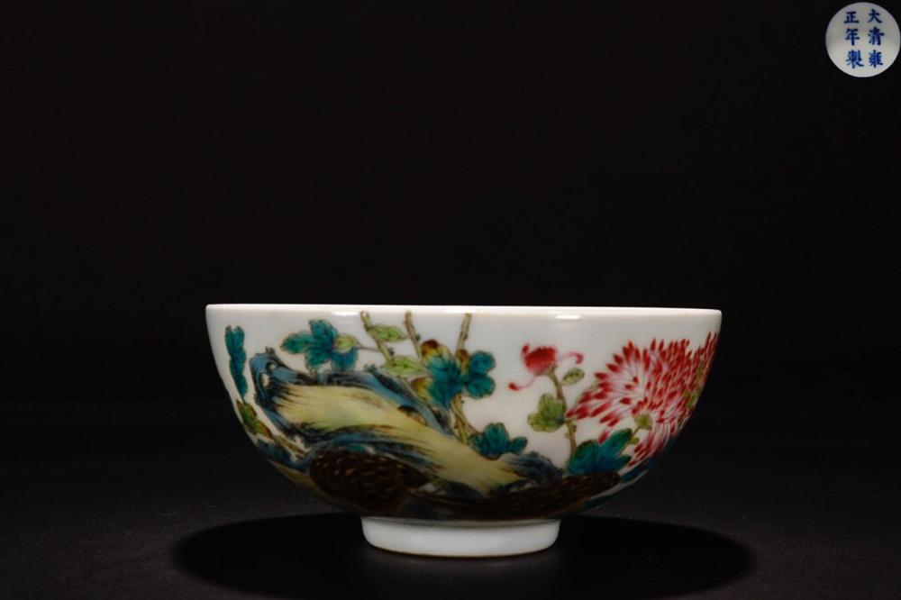 A YONGZHENG MARK FAMILLE ROSE FLOWER PAINTED BOWL