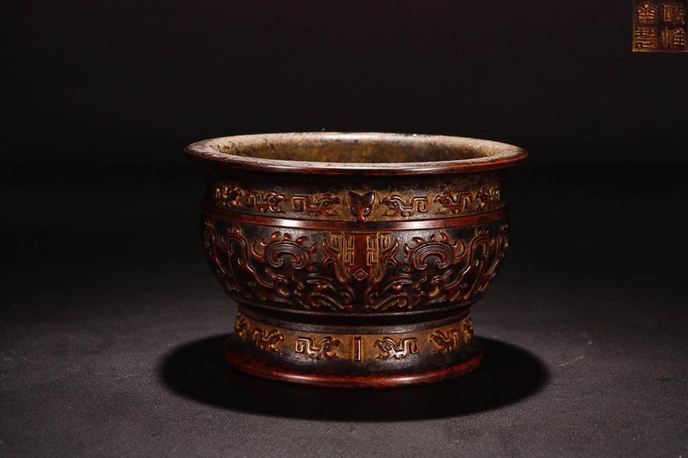 "A "" FEIYUN GA "" MARK BRONZE DRAGON PATTERN CARVED CENSER"