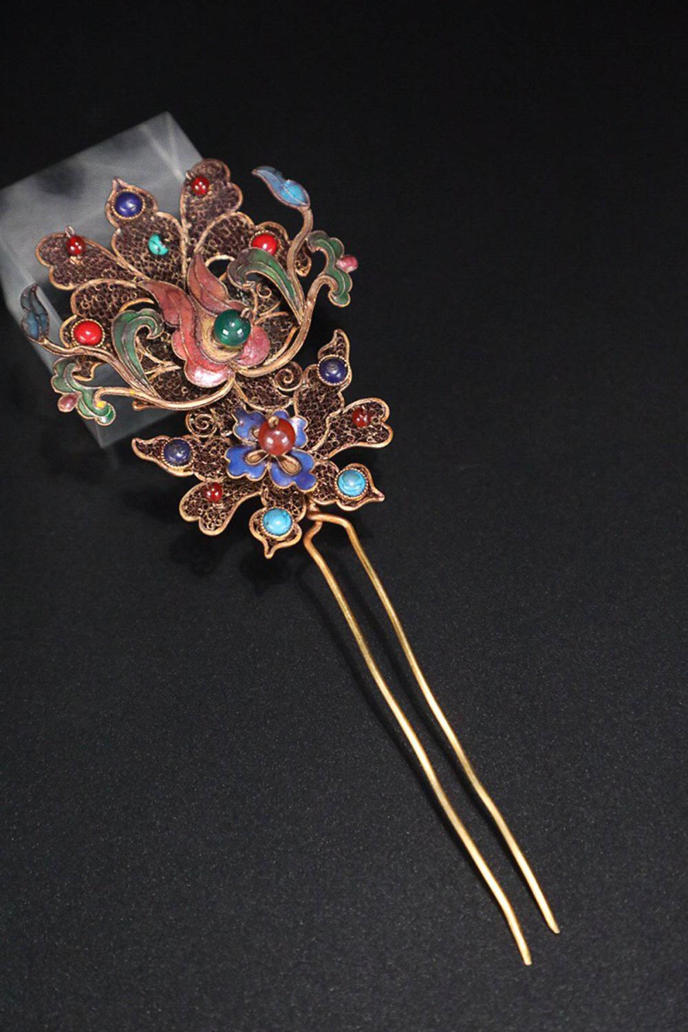 17-19TH CENTURY, A FLORAL DESIGN GILT SILVER HAIRPIN, QING DYNASTY