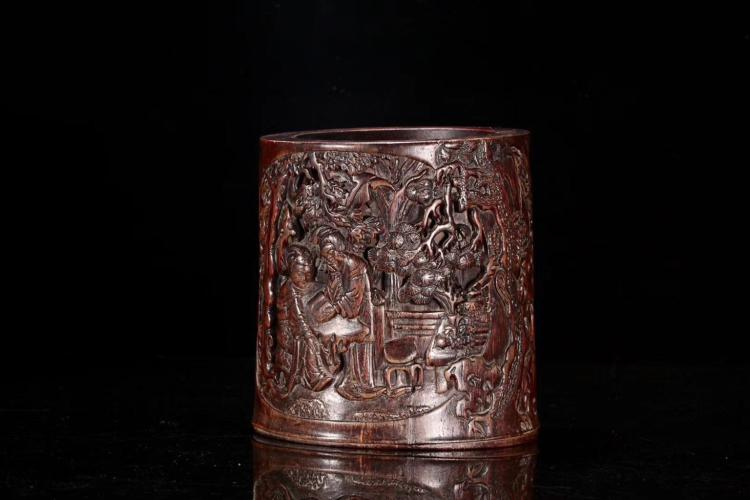 AN OLE AFILAWOOD BRUSH POT ,LATE QING DYNASTY