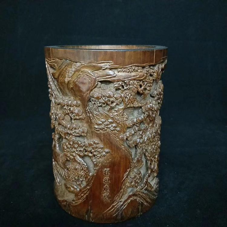A QING DYNASTY CHENGZUQING KUAN OLD BAMBOO CARVED PEN HOLDER