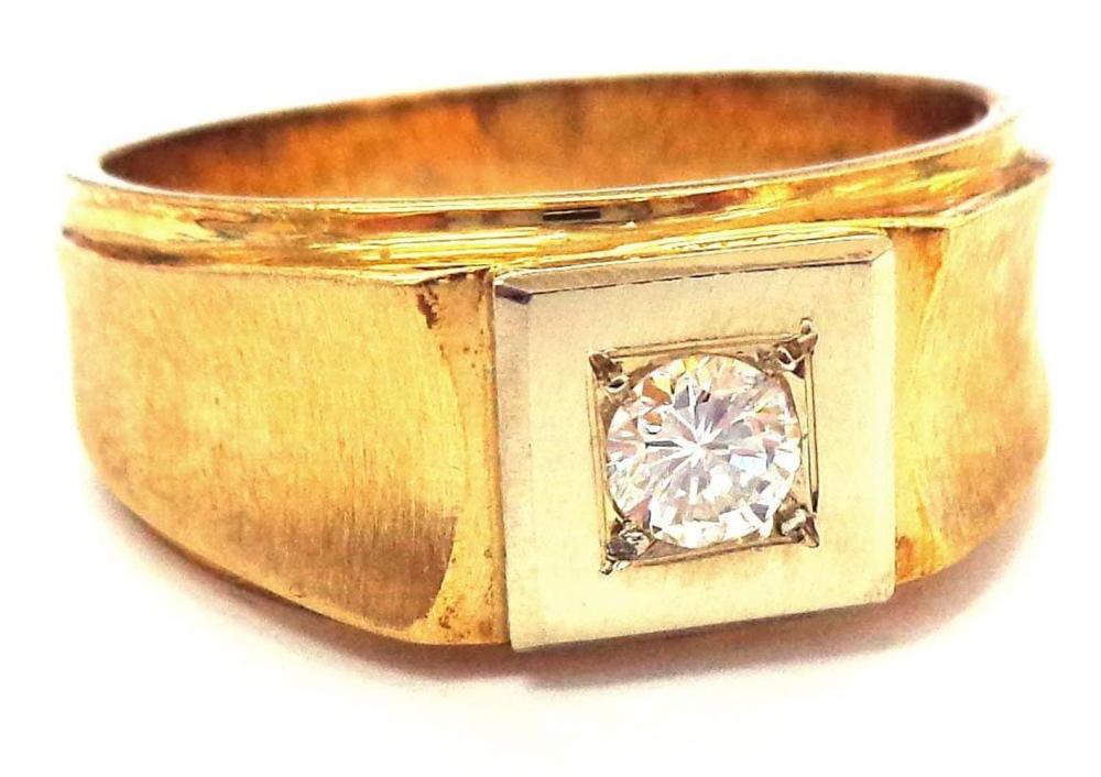 18 kt gold ring